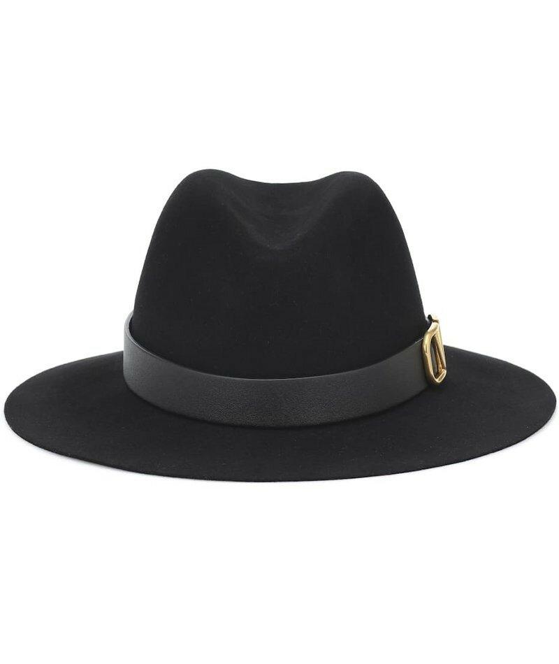 Фетровая шляпа Valentino Garavani. Позолоченный логотип придает роскошную изысканность этой классической черной шляпе от Valentino.