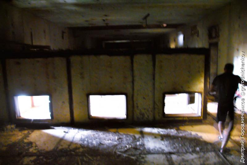 Поиски входа в отсек реактора