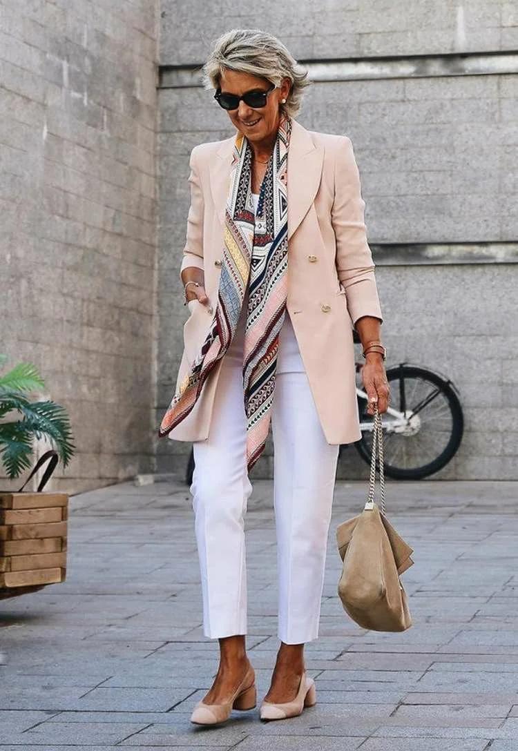 Как одеваться весной и летом 2021 женщинам в 40 и 50 лет?