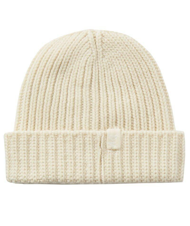 Кашемировая шапка в рубчик Bottega Veneta. Если вам нужна плотная посадка, эта шапка идеально подойдет - не говоря уже о универсальности, благодаря своему минималистичному дизайну.